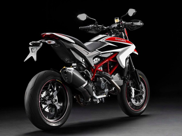 2013 Ducati Hypermotard   Makes More Tickets than Bieber 2013 Ducati Hypermotard SP 01 635x475