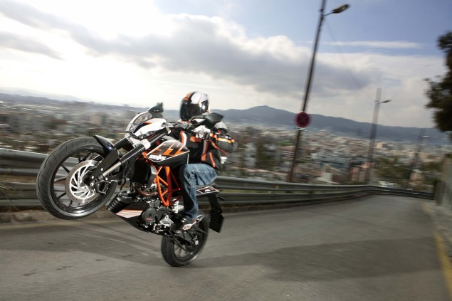 More High Res Photos of the KTM 390 Duke 2013 KTM 390 Duke high resolution 07 635x423