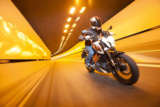 More High Res Photos of the KTM 390 Duke 2013 KTM 390 Duke high resolution 08 635x423