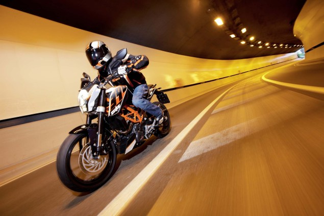 More High Res Photos of the KTM 390 Duke 2013 KTM 390 Duke high resolution 09 635x423