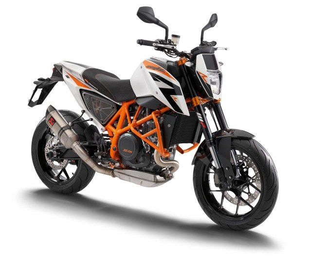 2013 KTM 690 Duke R   Please Come to America 2013 KTM 690 Duke studio 01 635x531