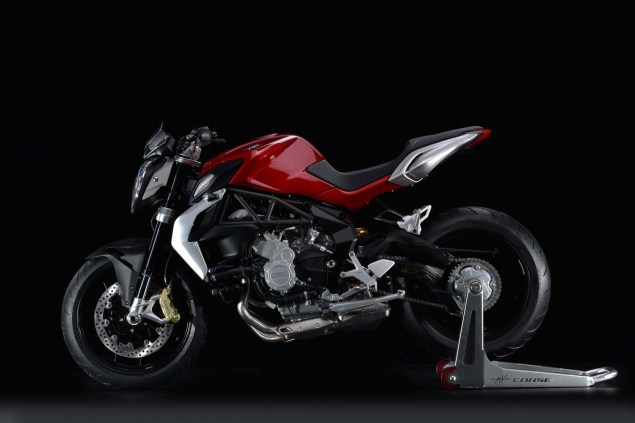 XXX: 36 Photos of the MV Agusta Brutale 800 2013 MV Agusta Brutale 800 18 635x423