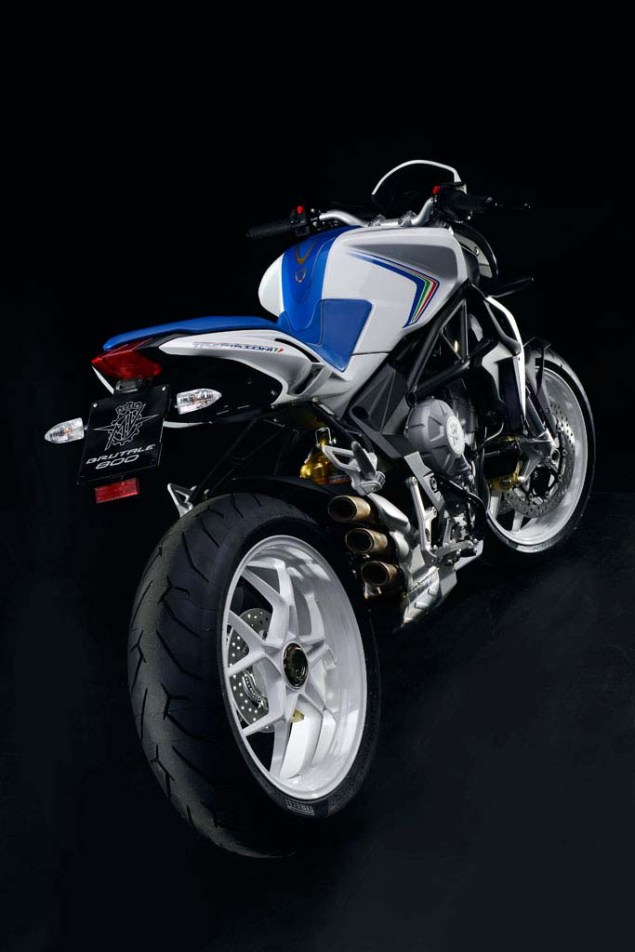MV Agusta Brutale 800   Too Much of a Good Thing? MV Agusta Brutale 800 01 635x952