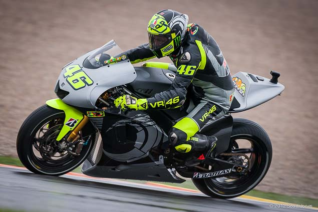 MotoGP: First Shots of Rossi Back on the Yamaha YZR M1 Valentino Rossi Valencia Test Yamaha Racing Scott Jones 13
