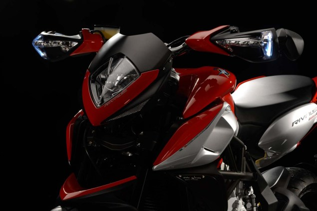 XXX: 29 Photos of the MV Agusta Rivale 800 MV Agusta Rivale 800 08 635x423