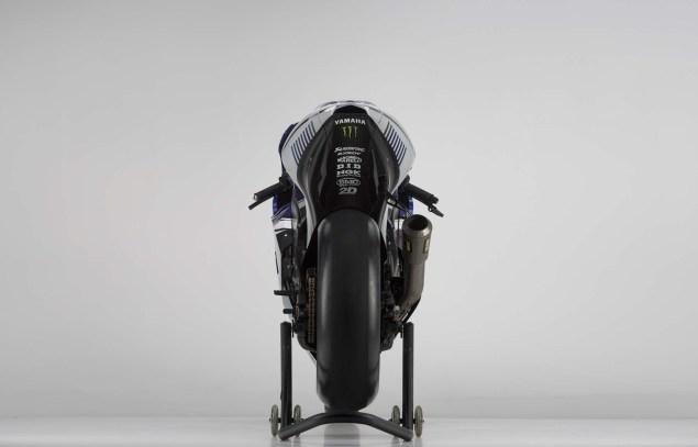 2013-Yamaha-YZR-M1-Jorge-Lorenzo-Valentino-Rossi-16