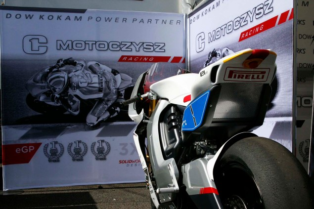 Up Close with the 2013 MotoCzysz E1pc 2013 MotoCzysz E1pc Isle of Man TT Zero 43 635x423