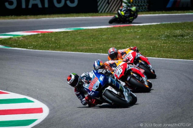 Honda vs. Yamaha: Cal Crutchlow Helps Explain Why the First Corner Decides a MotoGP Race Sunday Mugello Italian GP MotoGP Scott Jones 051 635x423