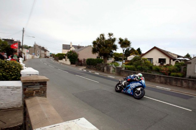 IOMTT: Ballaugh & Ballacrye with Richard Mushet Supersport Superstock Ballaugh Ballacrye Isle of Man TT Richard Mushet 02 635x423