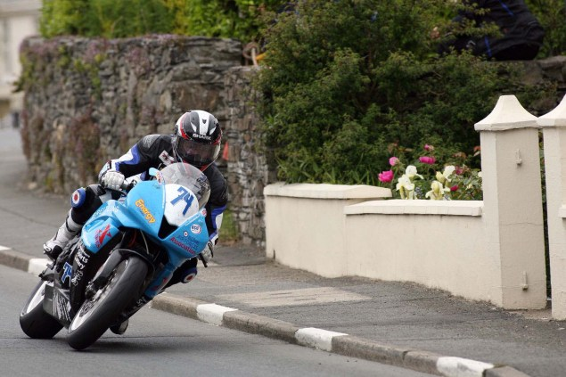 IOMTT: Ballaugh & Ballacrye with Richard Mushet Supersport Superstock Ballaugh Ballacrye Isle of Man TT Richard Mushet 07 635x423