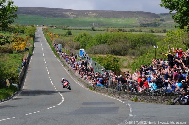 IOMTT: Glentramman & Hillberry with Tony Goldsmith Supersport Superstock race Isle of Man TT Tony Goldsmith 08 635x421