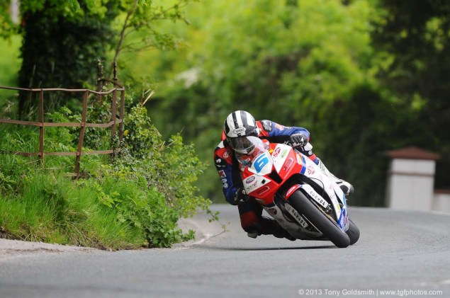 IOMTT: Glentramman & Hillberry with Tony Goldsmith Supersport Superstock race Isle of Man TT Tony Goldsmith 09 635x421