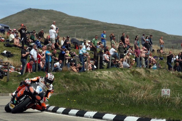 IOMTT: The Bungalow with Richard Mushet The Bungalow Supersport TT Zero 2013 Isle of Man TT Richard Mushet 06 635x423