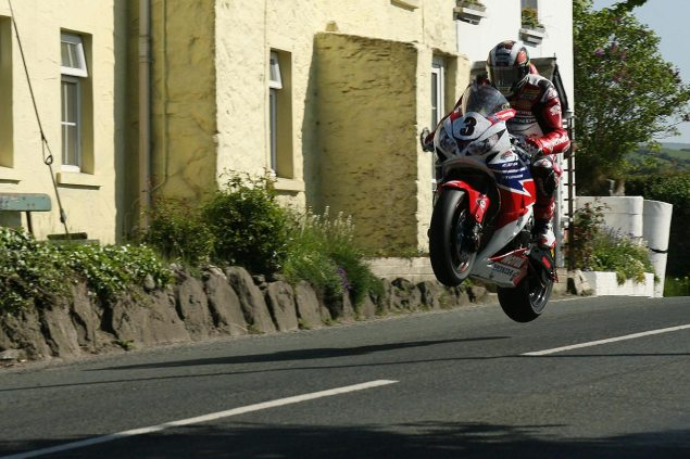 IOMTT: PokerStars Senior TT Race Results john mcguinness 2013 senior tt isle of man tt richard mushet 635x423