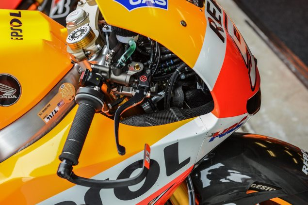 Up Close with the 2013 Honda RC213V Honda RC213V MotoGP Laguna Seca Jensen Beeler 9 635x423