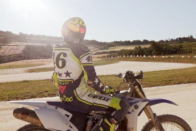 Video: Guy & Thomas Visit Valentino Rossis Ranch valentino rossi ranch flat track 635x423