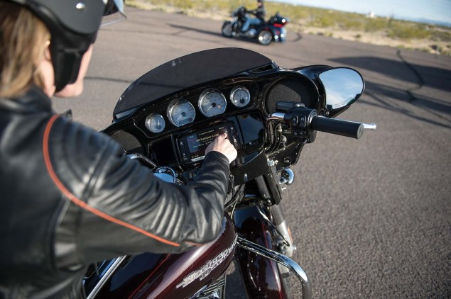 Harley Davidson Debuts Liquid Cooled Engines for Tourers 14 FLHX DET1 635x422