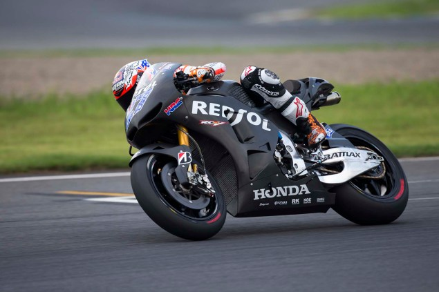 Video: Casey Stoner Rides the Honda RC213V at Motegi Casey Stoner Honda RC213V test Motegi HRC 01 635x423