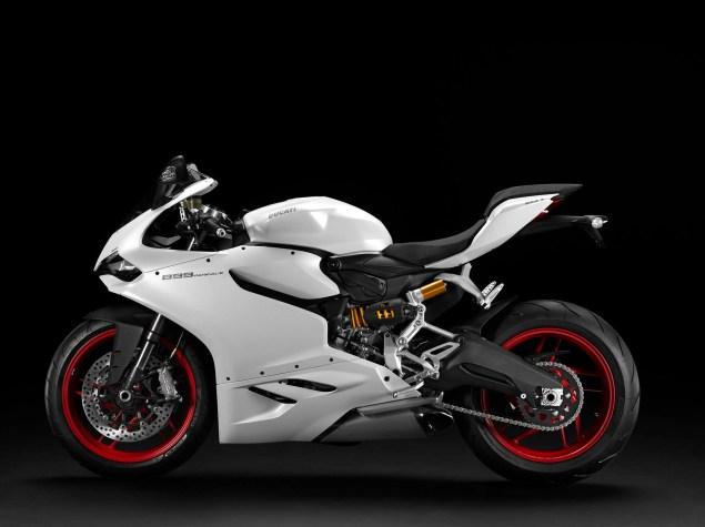2014 Ducati 899 Panigale Mega Gallery 2014 Ducati 899 Panigale studio 16 635x475