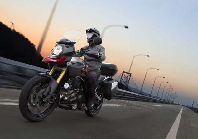 58 Hi Res Photos of the 2014 Suzuki V Strom 1000 2014 Suzuki V Strom 1000 action 18 635x448