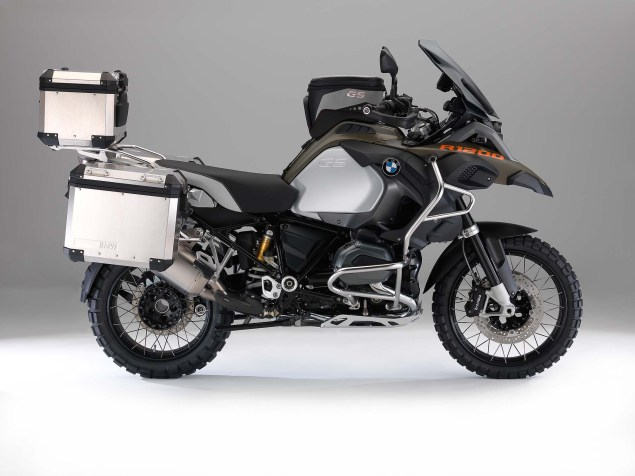 The 2014 BMW R1200GS Adventure is Finally Here 2014 BMW R1200GS Adventure studio 16 635x476