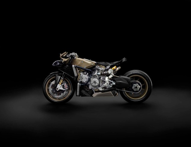 Officially Official: Ducati 1199 Superleggera 2014 Ducati 1199 Superleggera studio 28 635x488