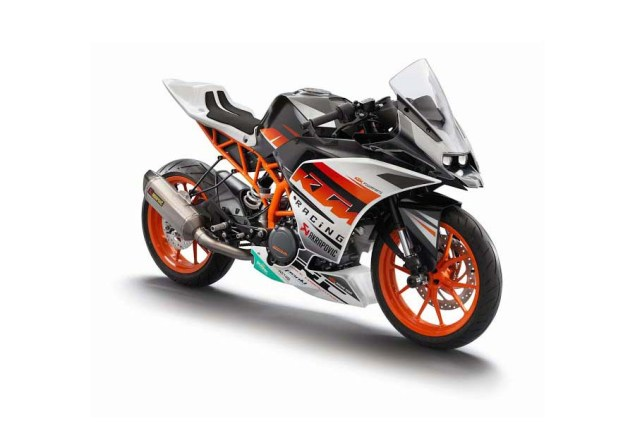 First Photos of the KTM RC125 & KTM RC200 2014 KTM RC390 race 02