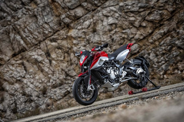 48 Hi Res Photos of the MV Agusta Rivale 800 2014 MV Agusta Rivale 800 03 635x422