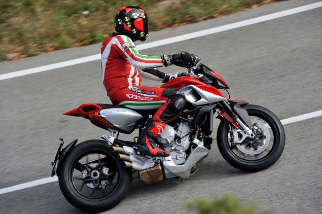 Ride Review: MV Agusta Rivale 800 2014 MV Agusta Rivale 800 review 07 635x422