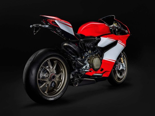 Even More Leaked Photos of the Ducati 1199 SuperLeggera Ducati 1199 Superleggera photo leak 04