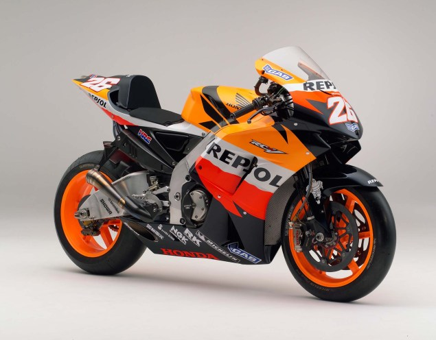 The Lineage of Hondas Grand Prix Motorcycles 2006 Honda RC211V Dani Pedrosa 635x496