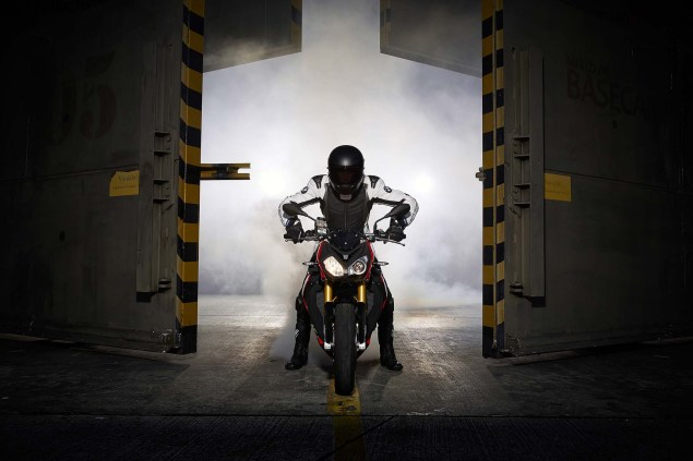 2014 BMW S1000R   160hp, ABS, & Optional DTC & DDC 2014 BMW S1000R action 84 635x423