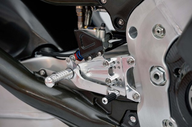 XXX: 2014 Honda RCV1000R 2014 Honda RCV1000R MotoGP 06 635x422