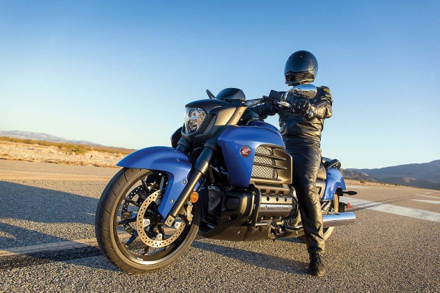 2014 Honda Valkyrie    Your Valhalla of Power Cruisers? 2014 Honda Valkyrie 08 635x423