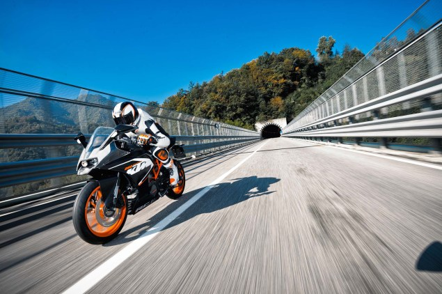 2014 KTM RC200 & KTM RC125    The More the Merrier 2014 KTM RC200 action 18 635x422