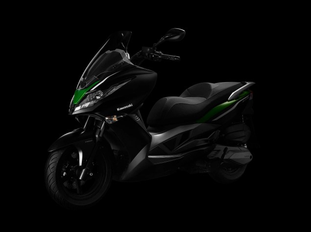 2014 Kawasaki J300    A Maxi Scooter from Team Green 2014 Kawasaki J300 08 635x475