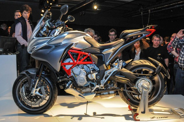 Up Close with the MV Agusta Turismo Veloce 800 2014 MV Agusta Turismo Veloce 800 01 635x421