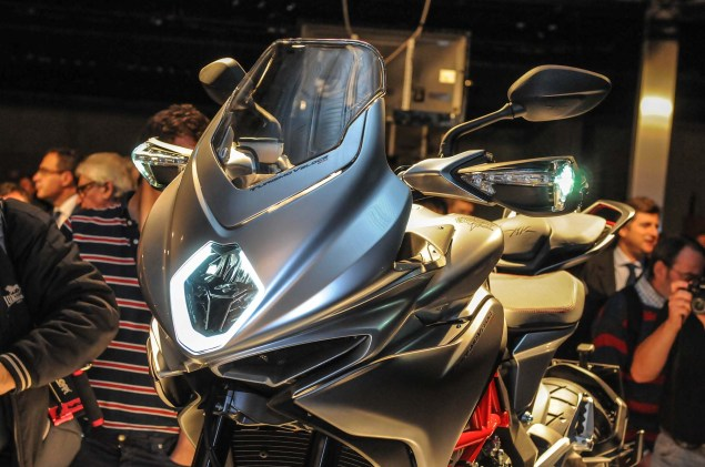 Up Close with the MV Agusta Turismo Veloce 800 2014 MV Agusta Turismo Veloce 800 03 635x421
