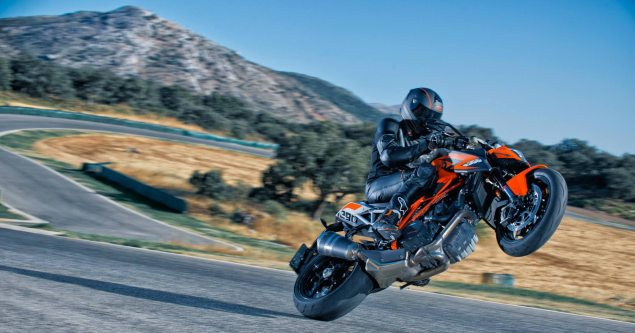 Watch Jeremy McWilliams Embarrass Some Journalists at the Track While on a KTM 1290 Super Duke R jeremy mcwilliams ktm 1290 super duke r 635x333