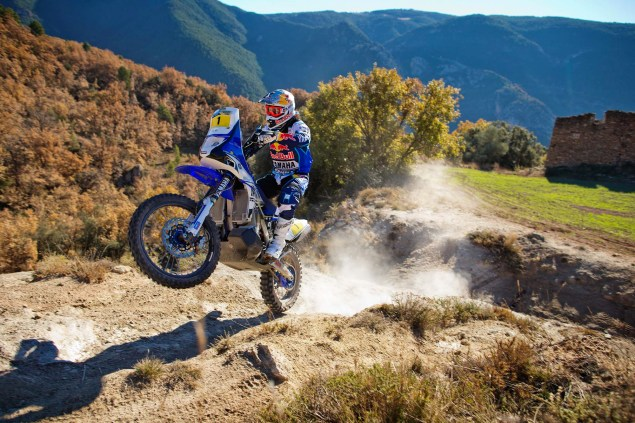 Photos: Cyril Despres & His Yamaha YZ450F Rally Race Bike Cyril Despres Yamaha YZ450F Rally action 08 635x423