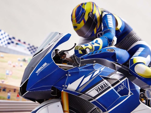 Reliving Rossis Corkscrew Pass on Stoner...with Paper Yamaha Papercraft Rossi Corkscrew pass 03
