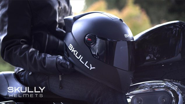 Skully Helmets Debuts Integrated HUD Helmet skully helmet black 635x357