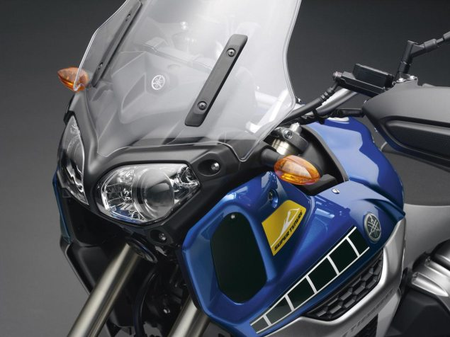 24,000 Yamaha YZF R1 & Super Ténéré Bikes Recalled yamaha super tenere headlight 635x476