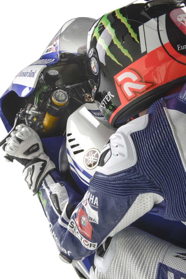 Movistar Yamaha 2014 MotoGP Livery Revealed 2014 Movistar Yamaha MotoGP livery 14 635x951
