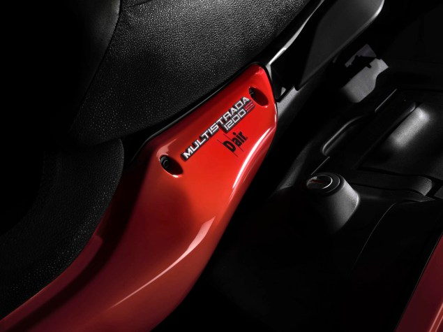 Ducati Announces Multistrada D Air Model with Integrated Wireless Airbag Capabilities from Dainese Ducati Multistrada D Air Dainese Airbag 02 635x475