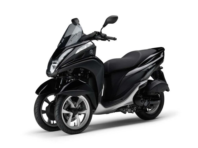 Yamaha Tricity   A Three Wheel Leaning Scooter with CVT Yamaha Tricity LMW scooter 21 635x475