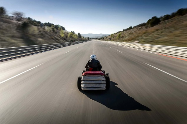 Honda Breaks World Record for Fastest Lawn Mower Honda HF2620 Mean Mower lawnmower land speed record 02 635x422