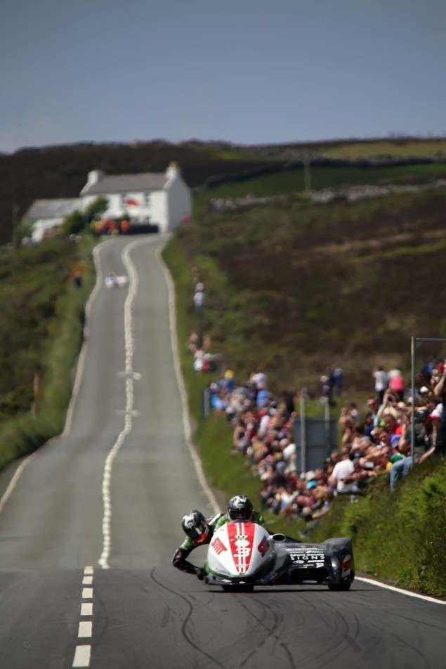 IOMTT: Creg ny Baa with Richard Mushet 2014 Isle of Man TT Creg ny Baa Richard Mushet 05 635x952