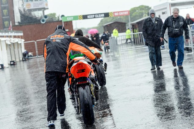 Isle of Man TT Start Moved to Monday, On Account of Rain rain isle of man tt 635x423