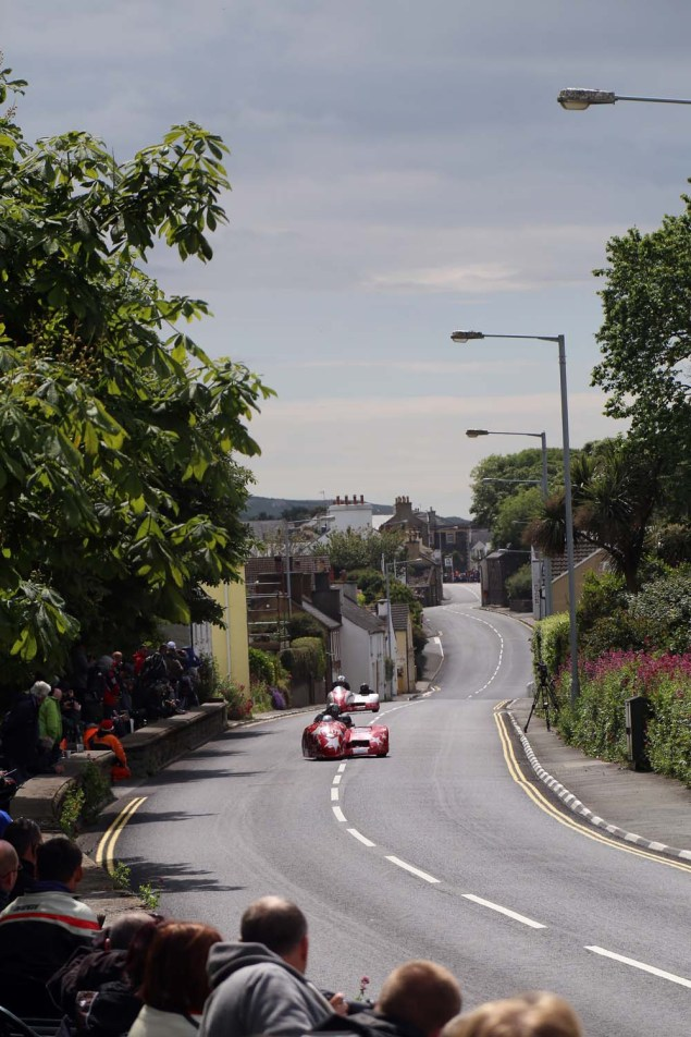 2014-Isle-of-Man-TT-Kirck-Michael-Richard-Mushet-04